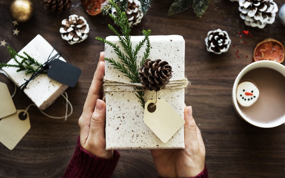 Ako rozžiariť pri vianočnom stromčeku oči vášho partnera