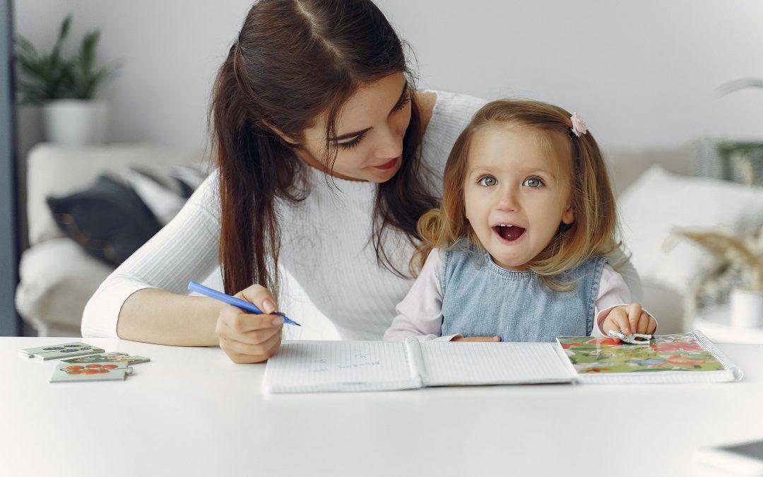 Rodinný kRok: Slovo formuje to, kým sa stanú naše deti. Ako ho múdro používať?