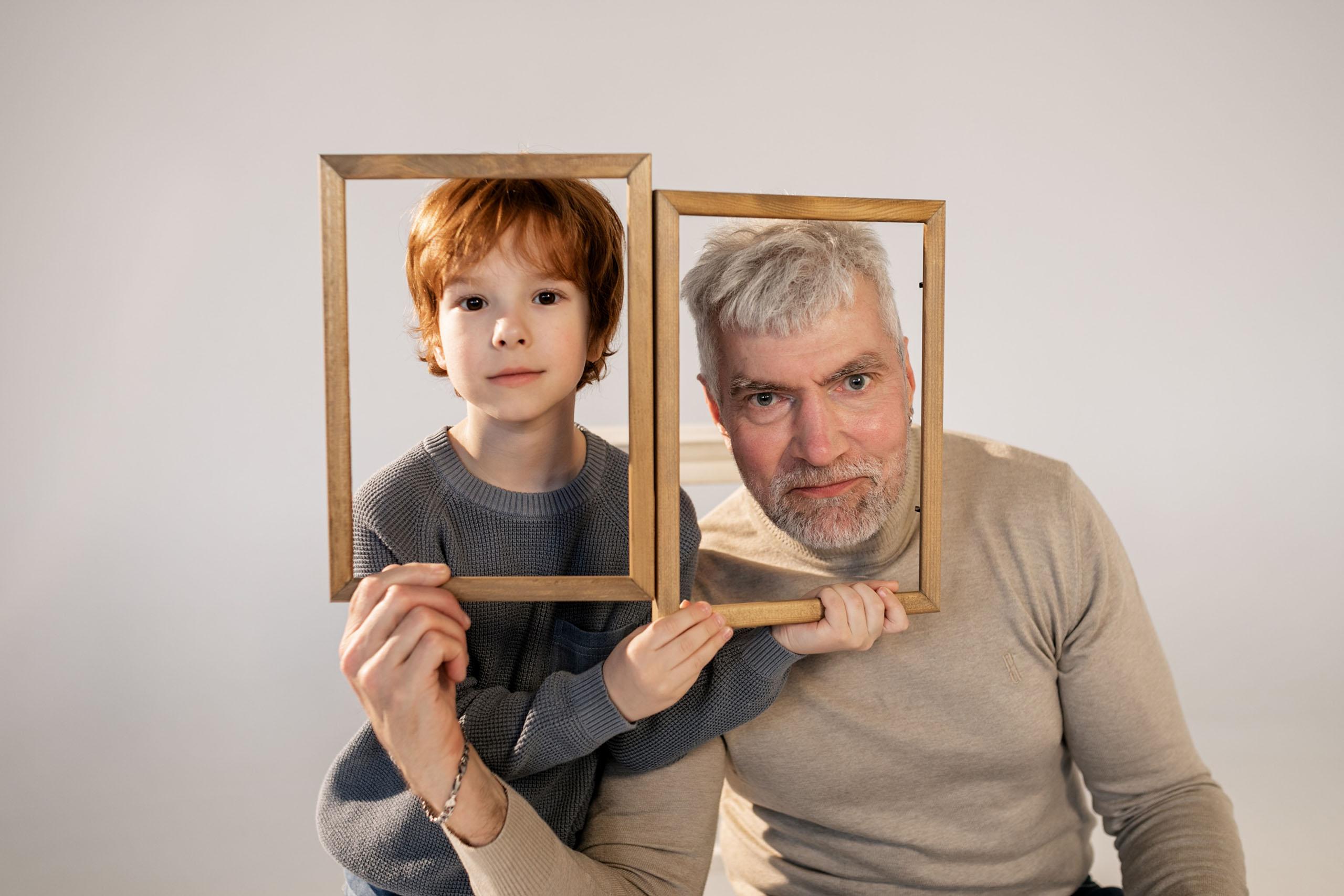 Rodinný kRok: Poznanie rodinnej histórie nás robí zdravšími – 22 zaujímavých otázok pre starých rodičov